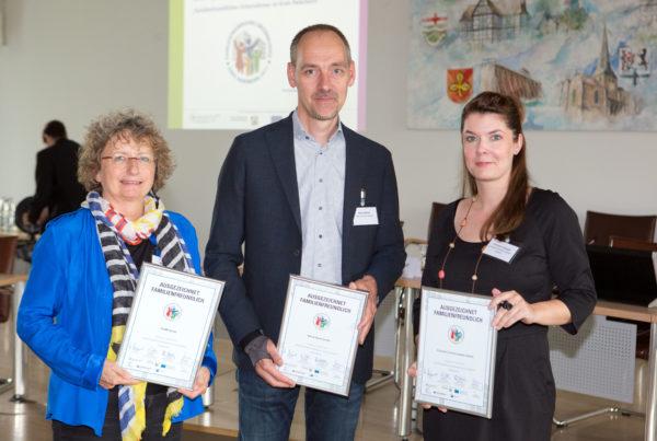 Foto Ehrung von familienfreundlichen Unternehmen im Kreishaus Paderborn